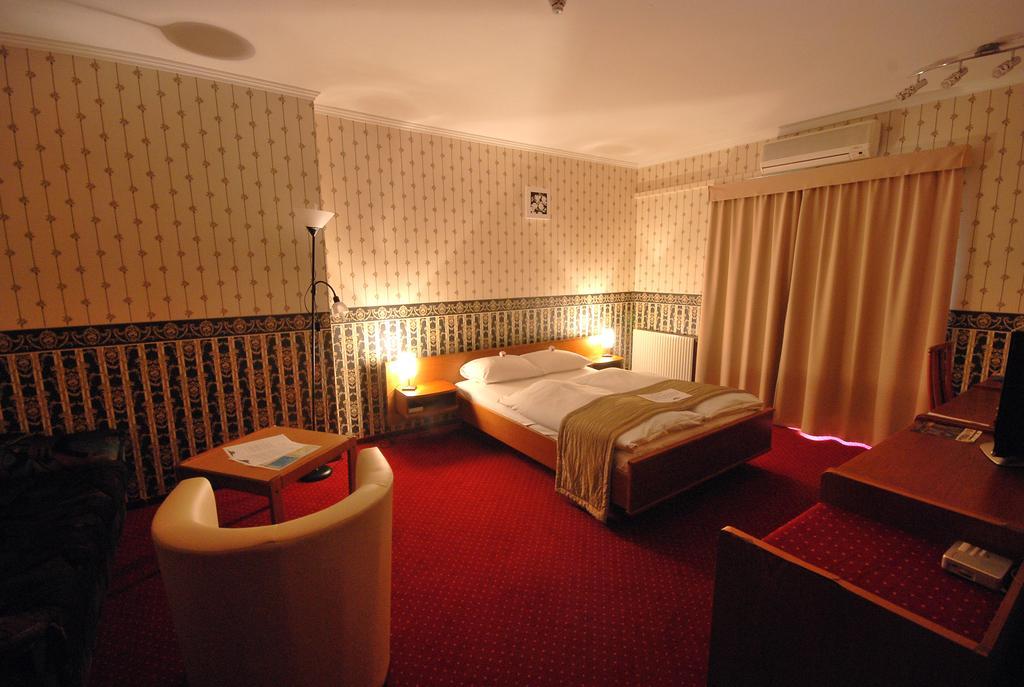 Image #2 - Hotel Amadeus - Budapest