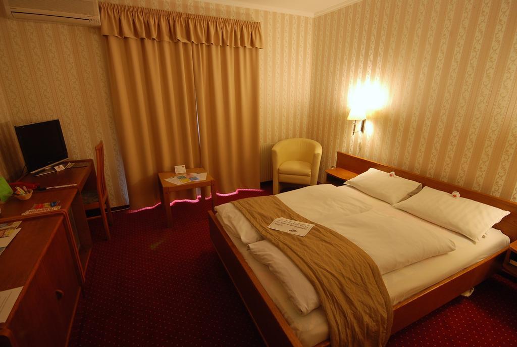 Image #4 - Hotel Amadeus - Budapest