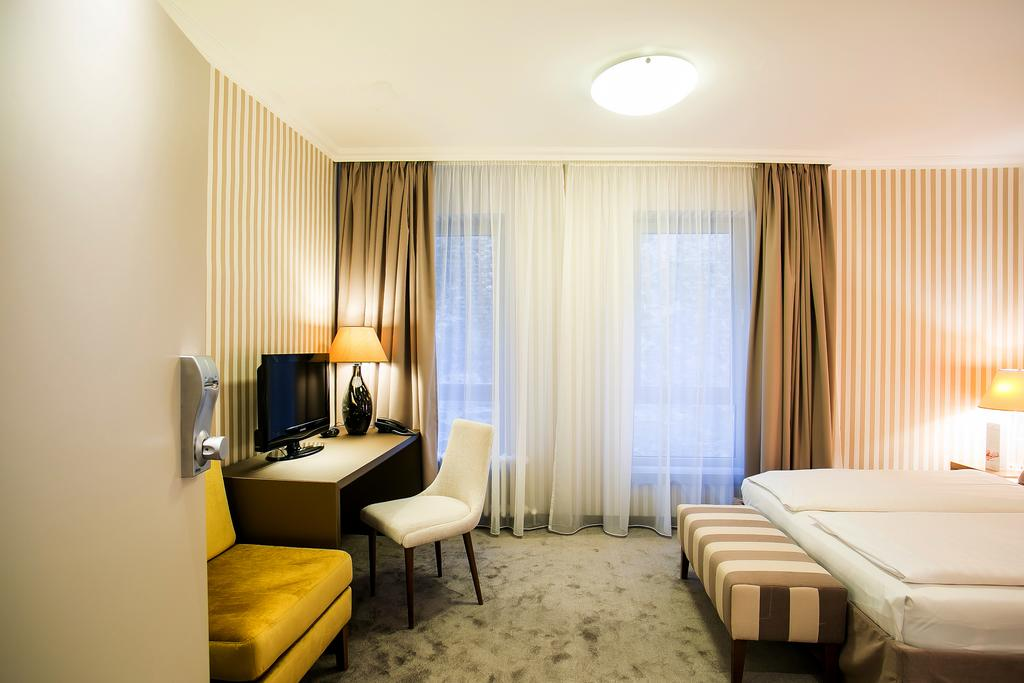 Image #10 - Hotel Ambra - Budapest