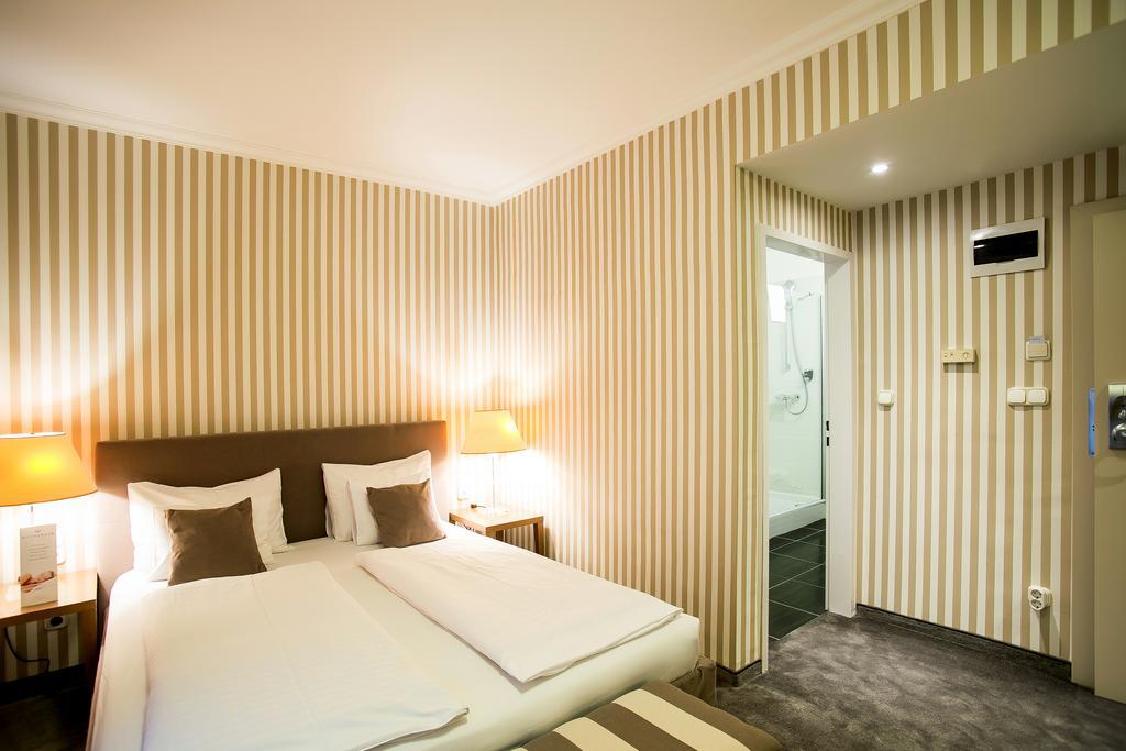 Image #12 - Hotel Ambra - Budapest