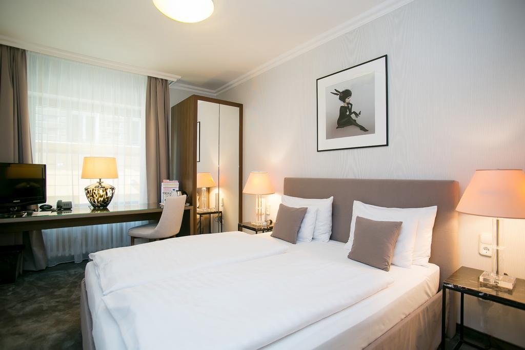 Image #16 - Hotel Ambra - Budapest