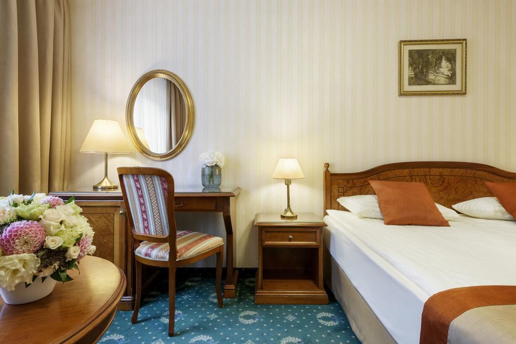 Image #8 - Danubius Hotel Astoria - Budapest