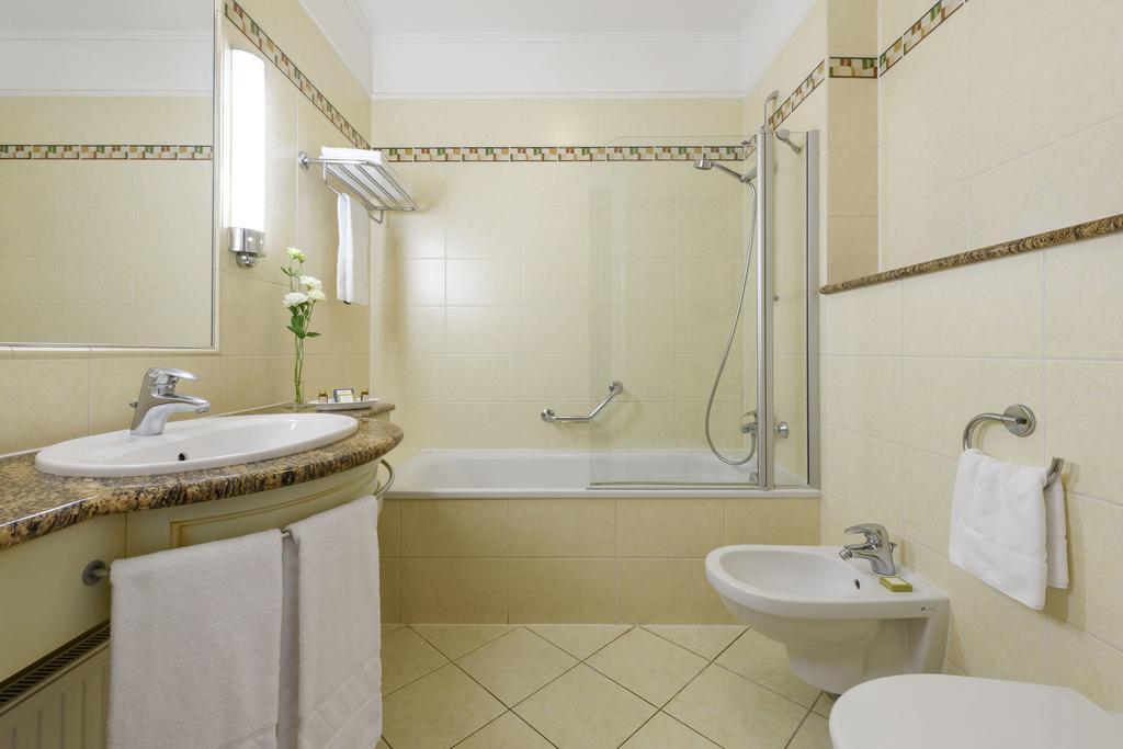 Image #12 - Danubius Hotel Astoria - Budapest