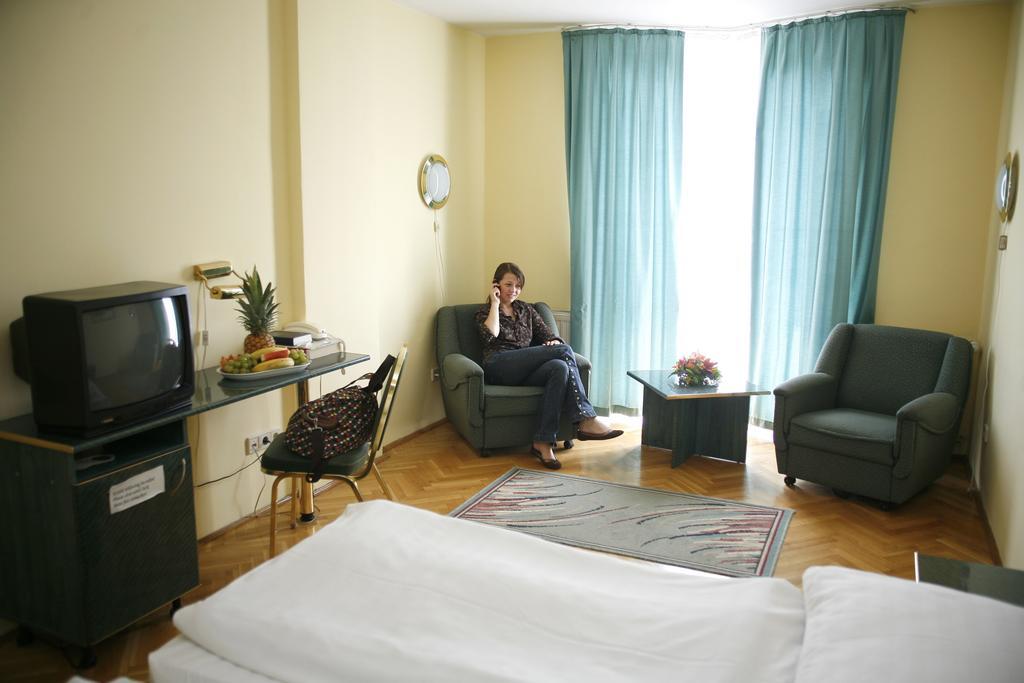 Image #3 - Hotel Bara - Budapest