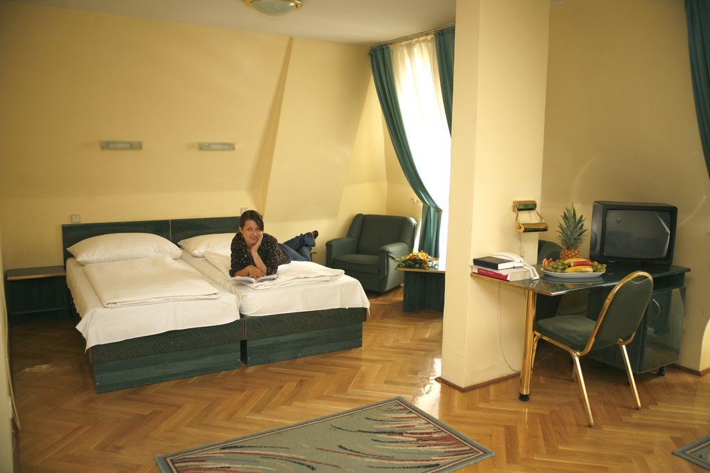 Image #5 - Hotel Bara - Budapest
