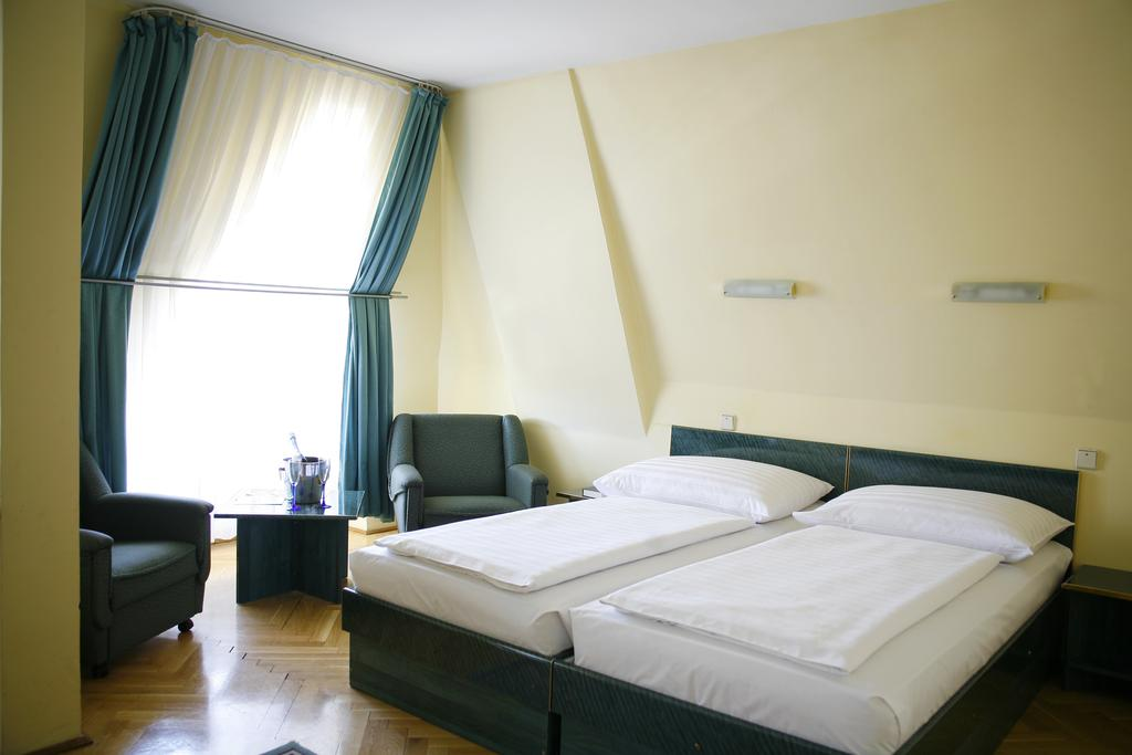 Image #11 - Hotel Bara - Budapest