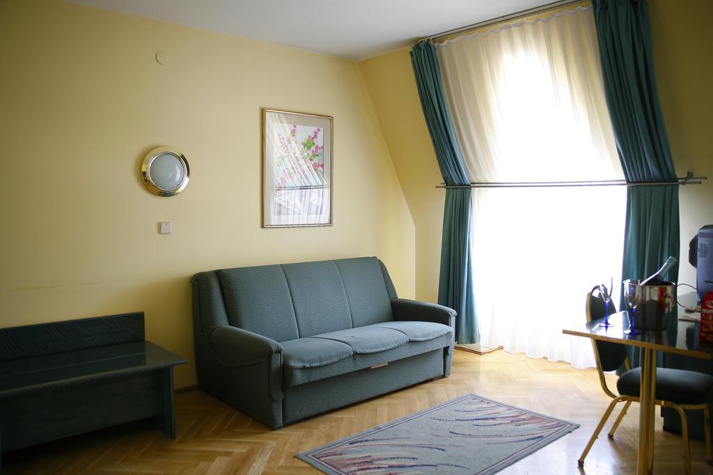 Image #12 - Hotel Bara - Budapest