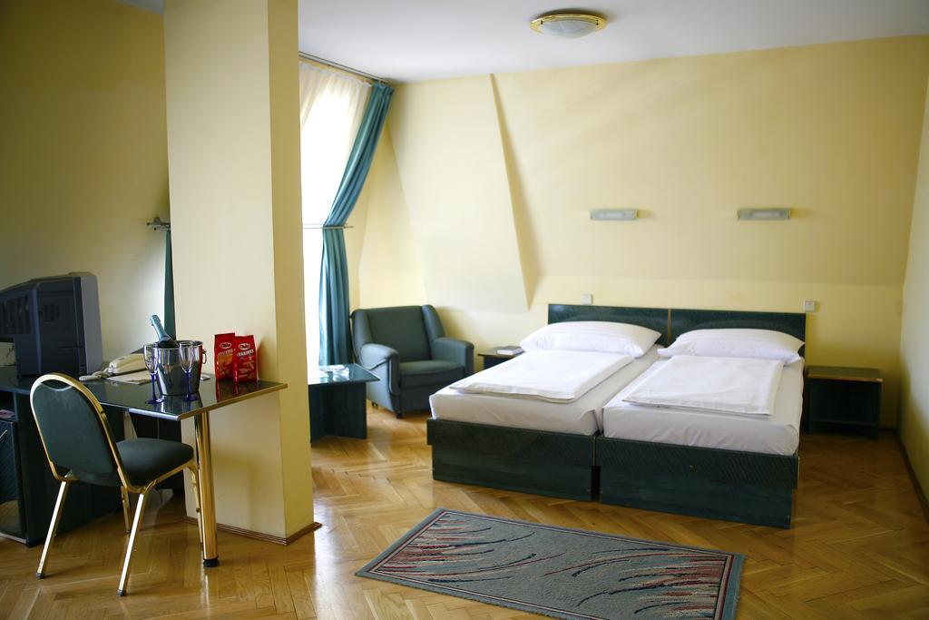 Image #13 - Hotel Bara - Budapest