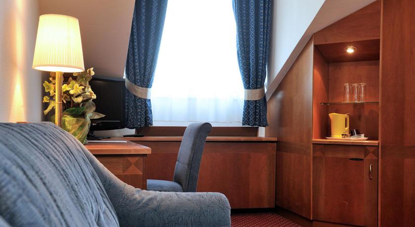 Image #3 - Hotel Carlton - Budapest