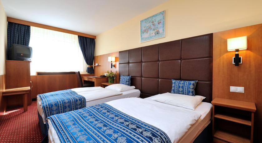 Image #5 - Hotel Carlton - Budapest