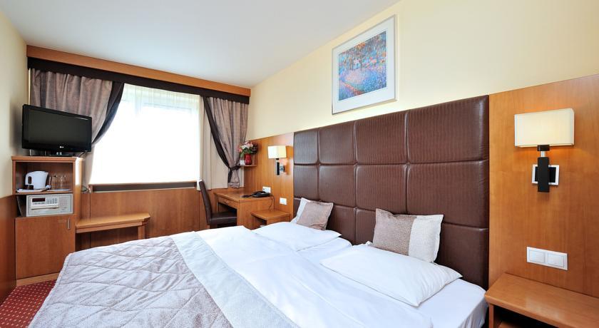 Image #18 - Hotel Carlton - Budapest