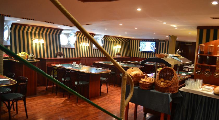 Image #4 - FORTUNA Boat Hotel & Restaurant - Budapest