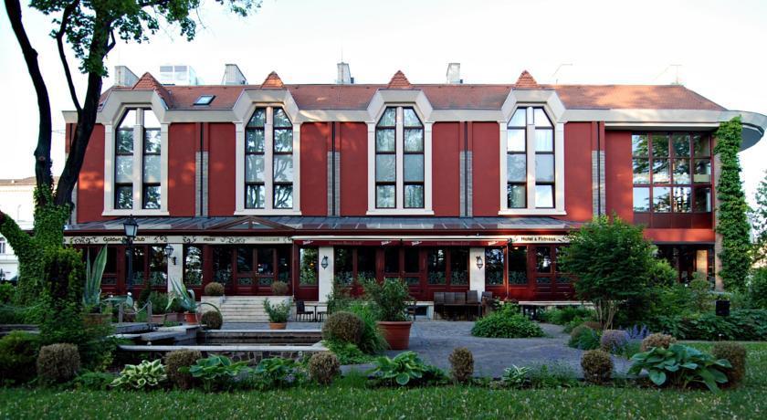 Image #1 - Golden Ball Club Hotel - Győr