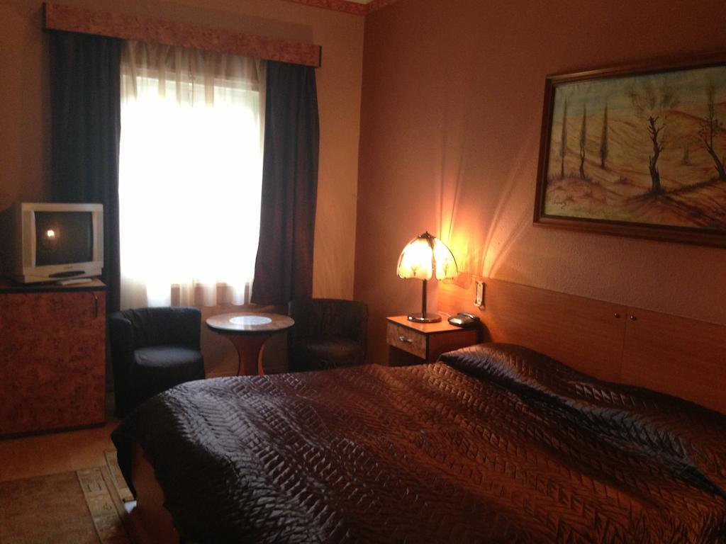 Image #7 - Villa Hotel Kristal - Budapest