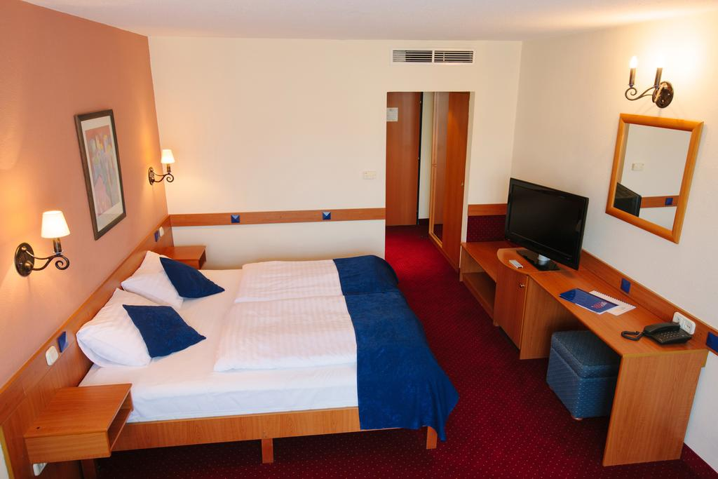 Image #10 - Hotel Mediterran - Budapest