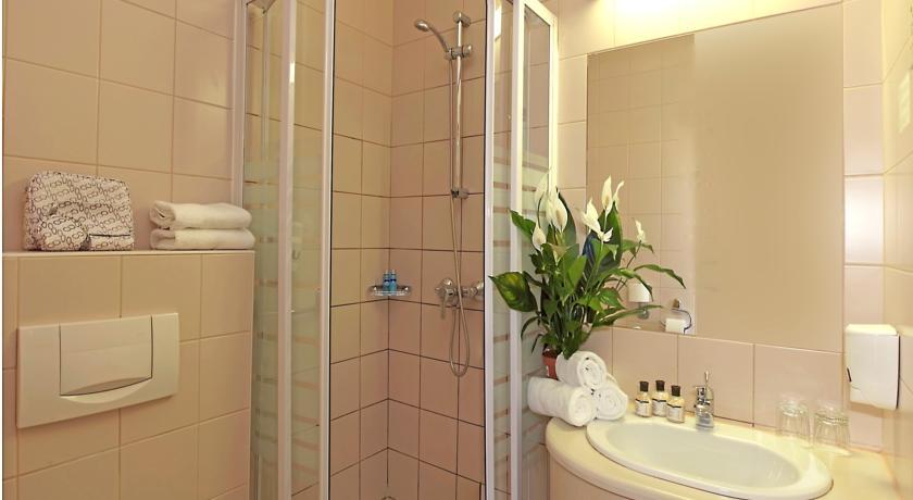 Image #3 - City Hotel Pilvax - Budapest