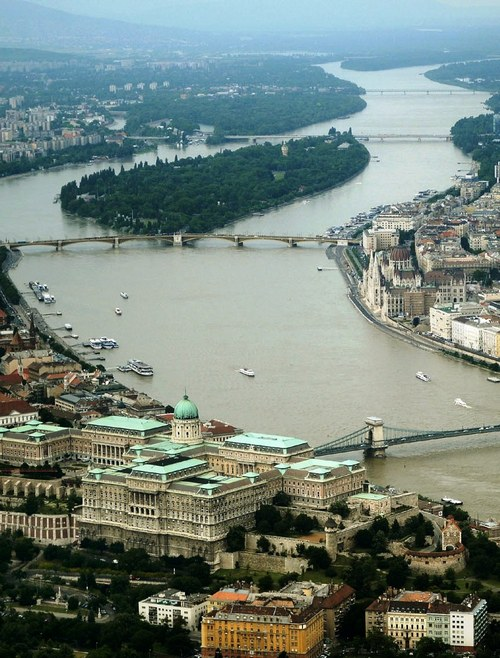 hotels with river view Budapest
